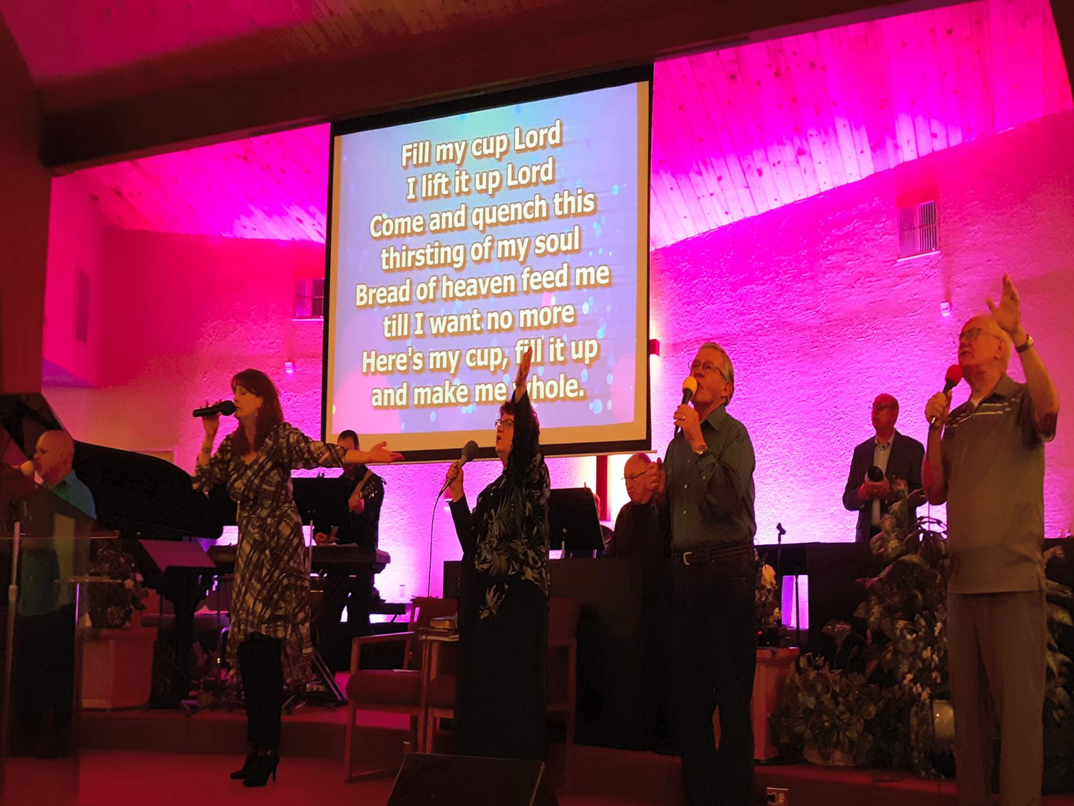 web-faith-assembly-redding-worship-6